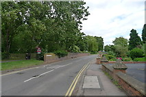 SP0957 : Gunnings Bridge, Alcester by Tim Heaton