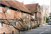 TQ0487 : Fayrstede and Hills House, Village Road, Denham by Jo Turner