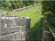 SE0023 : Gate on Hebden Royd FP114 by Humphrey Bolton