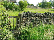 SE0023 : Gates on Hebden Royd FP112 at Owlet Hill by Humphrey Bolton