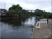 SK7953 : Footbridge over the River Trent at Newark by JThomas