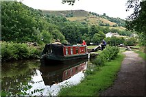 SE0512 : On the Huddersfield Narrow Canal by Graham Hogg