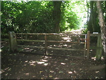 SO7020 : Gate across footpath on May Hill by Jonathan Thacker