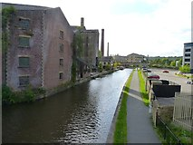 SE1437 : Leeds and Liverpool canal by James Allan
