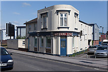 SU4212 : Engineers Arms, Number 98 Northam Road by Peter Facey