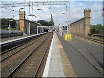NS2875 : Greenock Central railway station, Inverclyde by Nigel Thompson