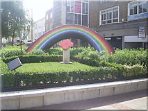 TL0506 : Residents Rainbow Sculpture by Graham Hale