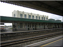 ST1875 : Cardiff Central / Caerdydd Canalog Station: buildings on platform 3 with Great Western lettering by Christopher Hilton