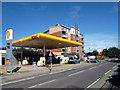 SU9481 : Shell Garage, Burnham Lane by Des Blenkinsopp