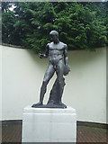 TL0506 : Discobolus: The Discus Thrower Sculpture by Graham Hale
