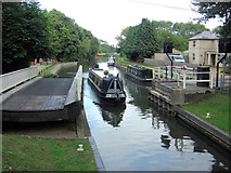 SU6269 : Tyle Mill Swing Bridge and the Kennet and Avon Canal by Stuart Logan