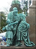 NT2473 : Mourning figures, Charlotte Square by kim traynor