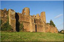 SP2772 : Kenilworth Castle by Bill Boaden