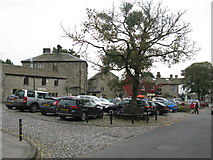 SE0064 : The Square, Grassington by G Laird