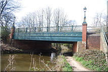 SU8652 : Queens Avenue Bridge over the Basingstoke Canal by N Chadwick