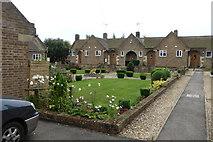 TF0920 : Alms house Quadrangle by Bob Harvey