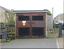 SE0824 : Electricity Substation No 2013 - Clover Hill Road by Betty Longbottom