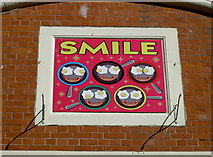 SY6778 : Smile! by Neil Owen