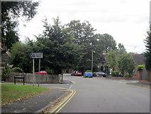 SP2871 : Kenilworth Turn Left For Car Park by Roy Hughes