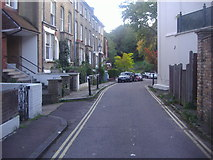 TQ2686 : Vale of Health, Hampstead by David Howard