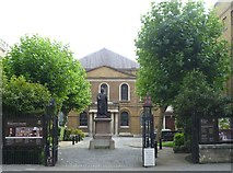 TQ3282 : Wesley's Chapel, City Road by kim traynor