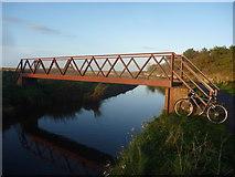 NT6578 : Coastal East Lothian : Biel Water Footbridge, Near West Barns by Richard West