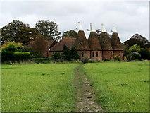 TR2257 : Bridleway approaching Ickham by Chris Heaton