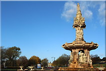 NS6064 : Doulton Fountain, Glasgow Green by Leslie Barrie