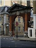 TQ2879 : Mews arch, Headfort Place, Belgravia by Jim Osley