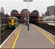 SU6400 : Upper level platforms at Portsmouth & Southsea railway station  by Jaggery