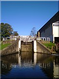 SE1039 : Three Rise Locks, Bingley by Gordon Hatton