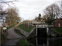 SE1039 : Five Rise Locks, Bingley by Chris Heaton