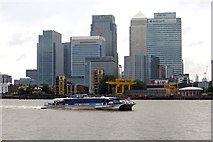TQ3880 : Looking over the River Thames to Canary Wharf by Steve Daniels