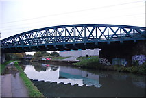 TQ2182 : Railway Bridge, Grand Union Canal by N Chadwick