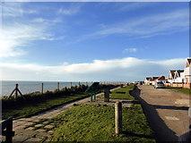 TQ4000 : The Promenade, Peacehaven by PAUL FARMER