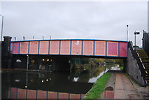TQ2282 : Bridge over the Grand Union Canal by N Chadwick