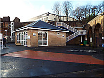 NS2875 : Greenock Central railway station by Thomas Nugent