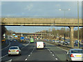 SK4735 : M1 northbound at junction 25 by Ian S