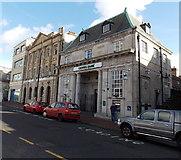 SS7597 : Lloyds Bank, Neath by Jaggery