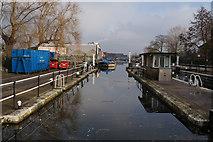 TQ3783 : Lock on the River Lea Navigation by Ian S
