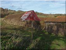 TQ0147 : Little Halfpenny Farm by Alan Hunt