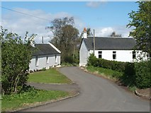 NS6055 : Houses on Philipshill Road by Lairich Rig
