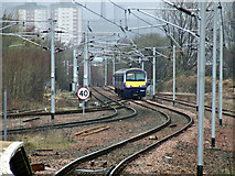 NS6162 : Train approaching Rutherglen station by Thomas Nugent