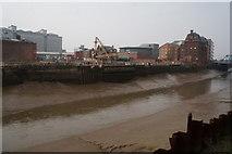 TA1029 : River Hull towards North Bridge, Hull by Ian S