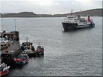 NM8529 : The Four o Clock Ferry Arriving at Oban by David Dixon