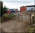 ST4491 : Entrance to Oaklands Farm by Jaggery