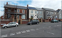 ST2896 : Mount Pleasant Road houses, Cwmbran  by Jaggery