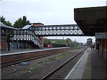 TA2609 : Footbridge, Grimsby Town Railway Station by JThomas