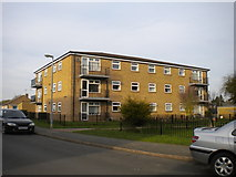 SK8508 : Low rise flats on Derwent Drive, Oakham by Richard Vince