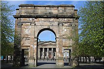 NS5964 : Mclennan Arch, Glasgow Green by Leslie Barrie